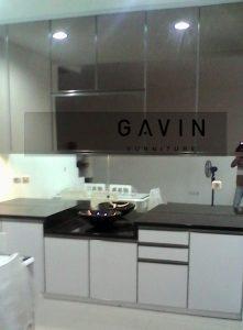 lemari-dapur-kaca-bronze