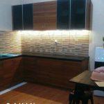 design lemari dapur bentuk L bagian bawah