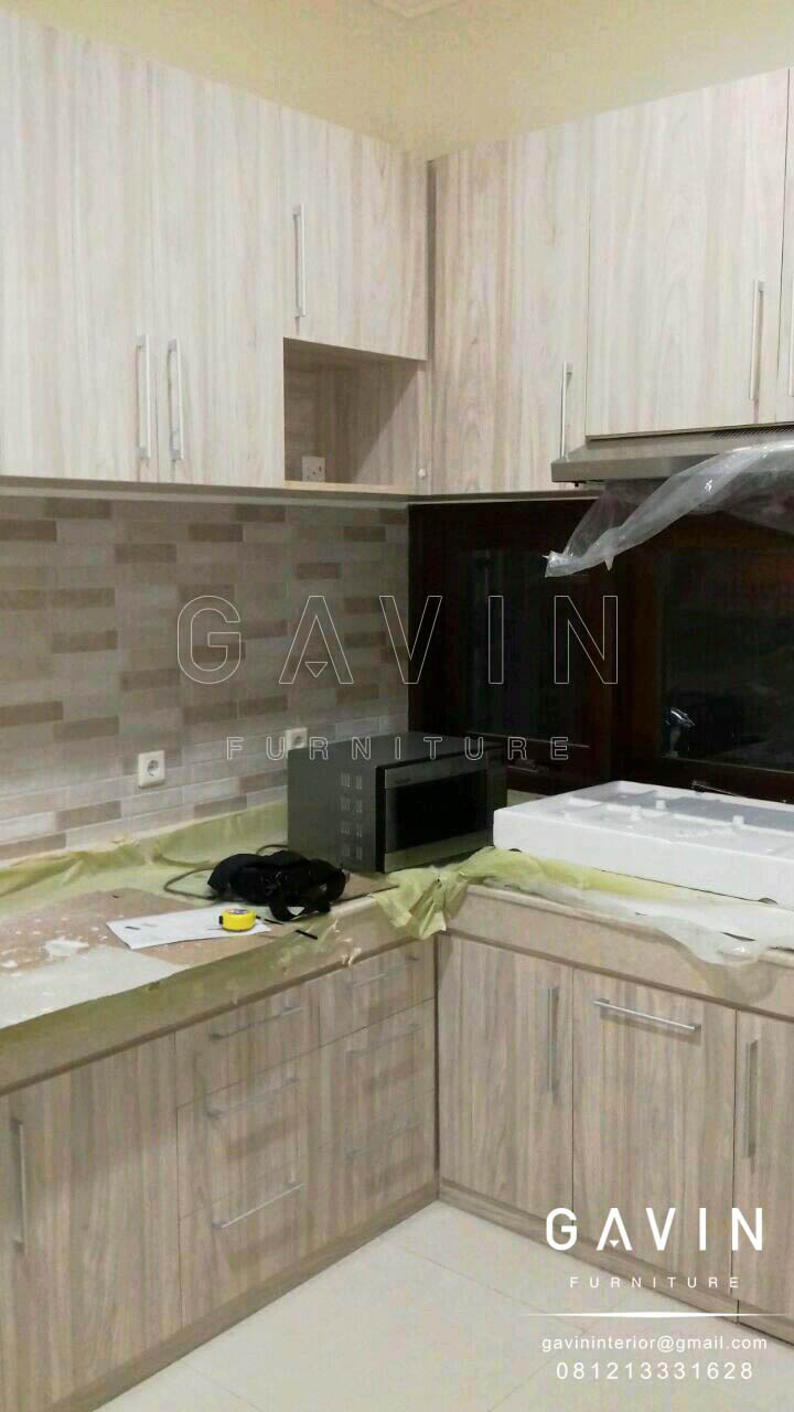lemari dinding dapur minimalis