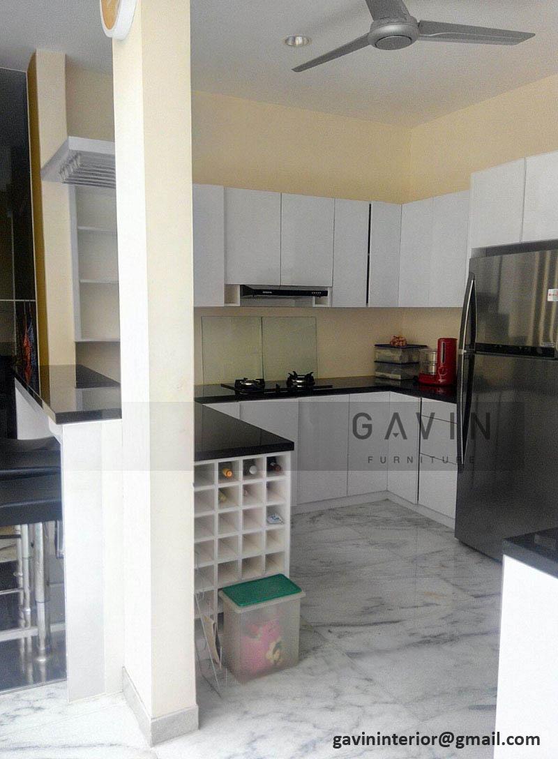 model kitchen set dengan rak wine
