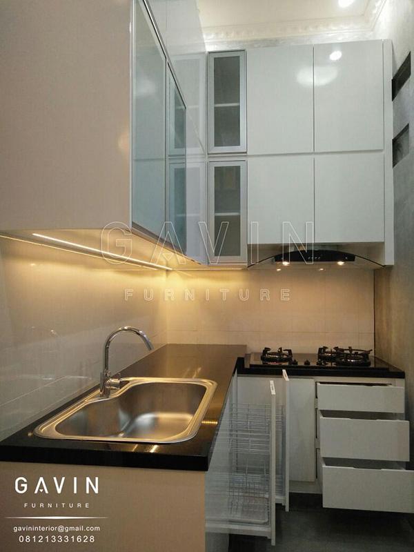 dapur minimalis ukuran kecil finishing cat duco putih