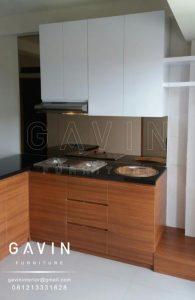 Jasa pembuatan lemari dapur minimalis finishing hpl