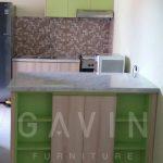 lemari dapur warna hijau dengan minibar