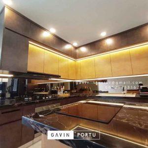 Kitchen set minimalis mewah warna gold dan hitam